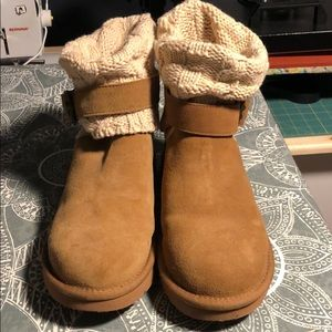 Ugg Cambridge cable knit fold over sweater boots